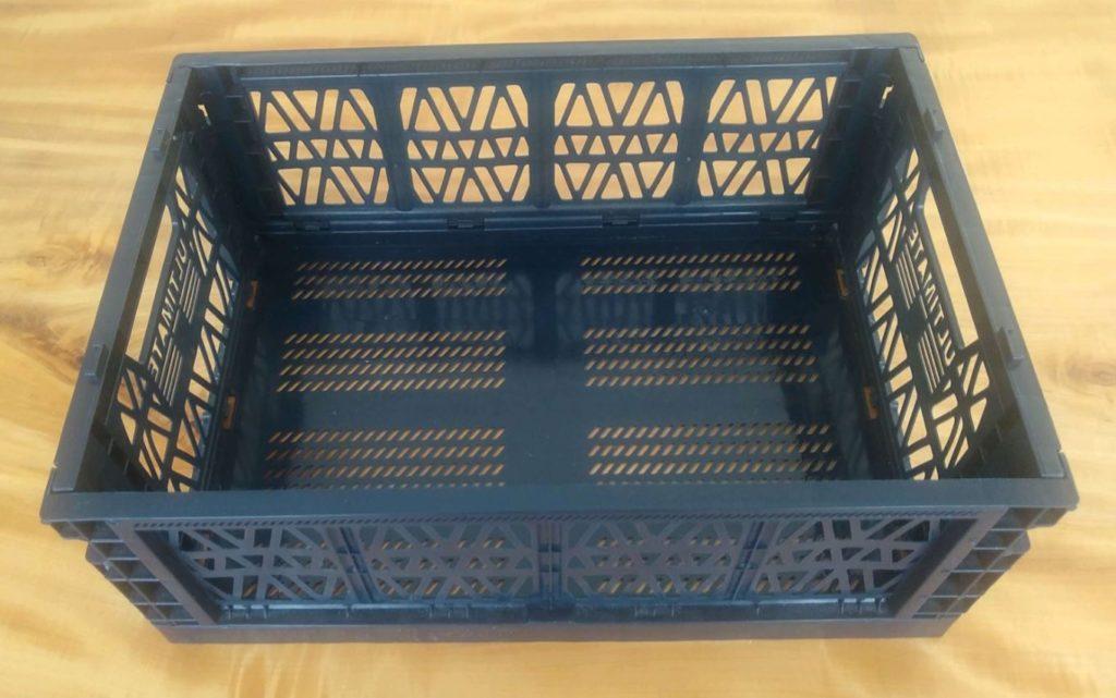 ダイソー 折りたたみコンテナ 組み立てて箱ができた状態