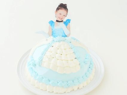 BIRTH(バース)のドレスケーキ