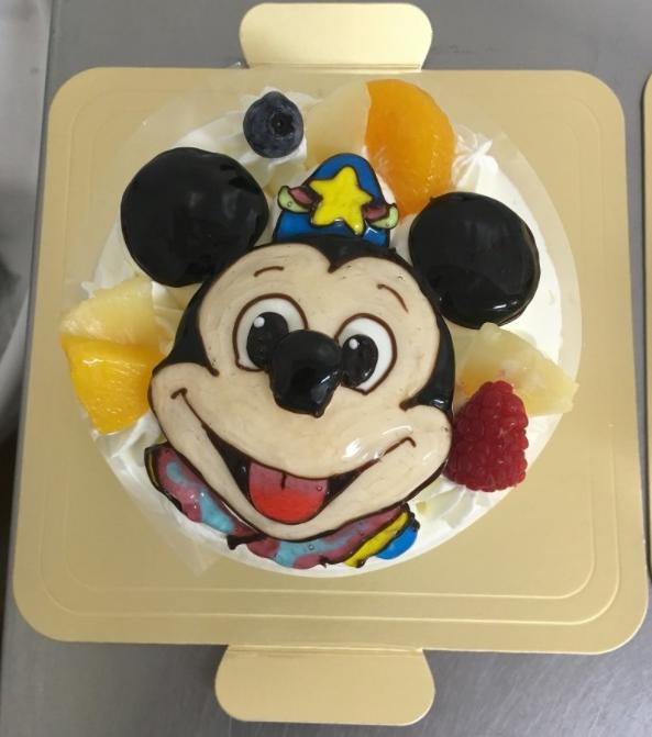 「カトルセゾン菓子夢」ミッキーの立体ケーキ